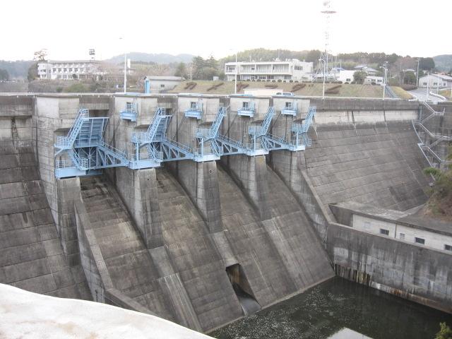 銚子電鉄・亀山ダム095.jpg